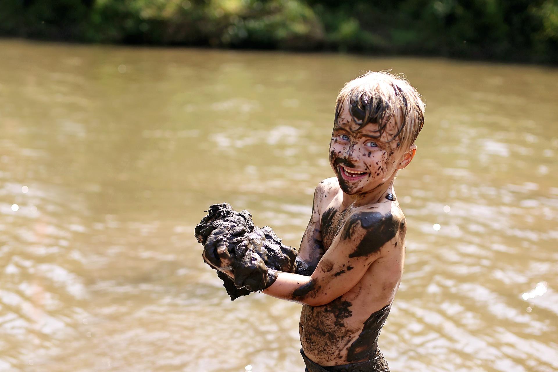 Dreck Schmutz ist gut für Kinder
